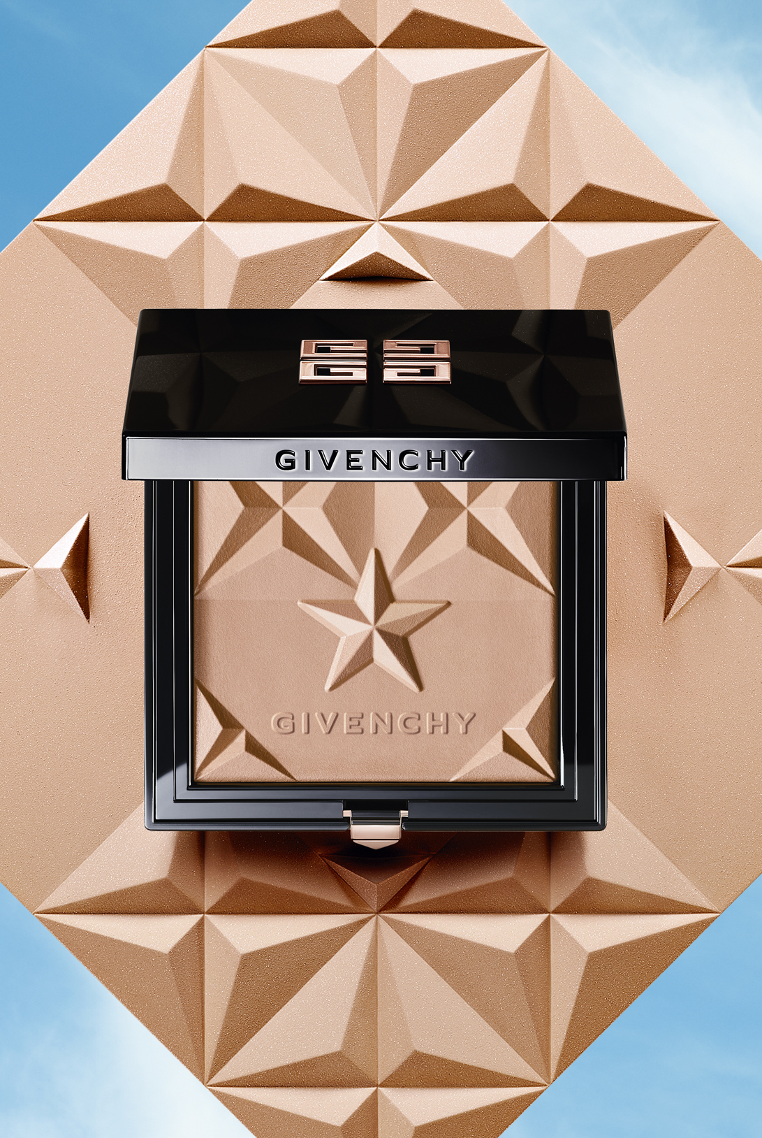 CARLA COSTE / ART DIRECTOR GIVENCHY – Croisiere